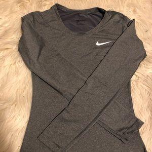 Nike Dri Fit L/S small!